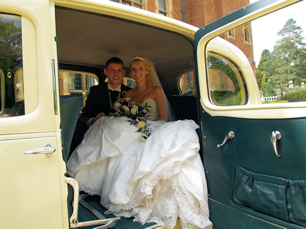 Austin Windsor Wedding Car Hire Herts Beds And Cambs